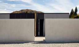 A Stalwart Mountain Cabin Wanaka House By Fearon Hay Issue 02 Feature The Local Project Image 02