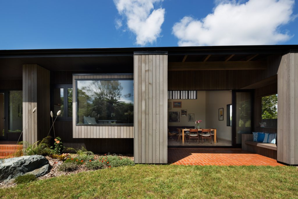 Gallery Of House Under Eaves By Mrtn Architects Local Australian Design And Interiors Point Wells, Nz Image 7