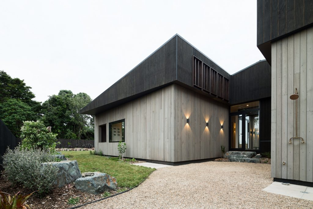 Gallery Of House Under Eaves By Mrtn Architects Local Australian Design And Interiors Point Wells, Nz Image 6