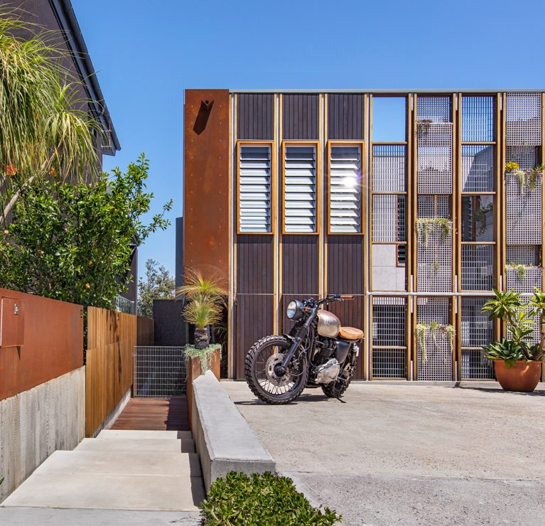 Gallery Of Living Screen House House By Cplusc Architectural Workshop Local Australian Design And Interiors North Bondi, Nsw Image 9