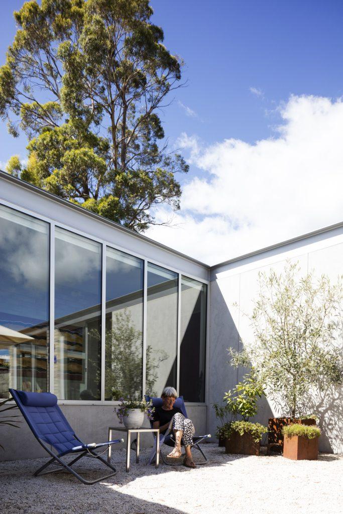 Gallery Of Elms House By Stuart Tanner Architects Local Australian Design & Interiors Tasmania Image 4