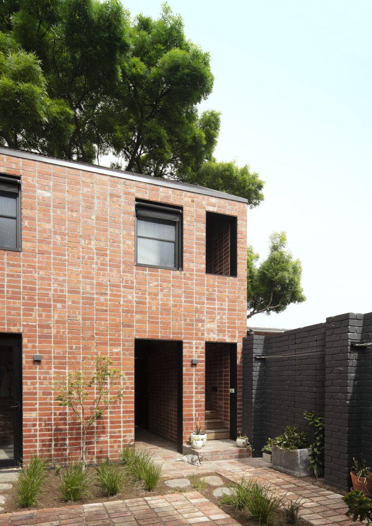 Backyard facade maintains heritage fabric