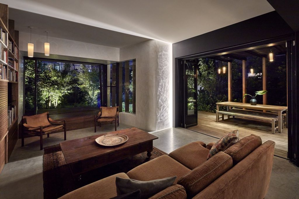 Drawing In Part From Its Earthy, Unpretentious And Distinctively Rustic Japanese Style Influence.