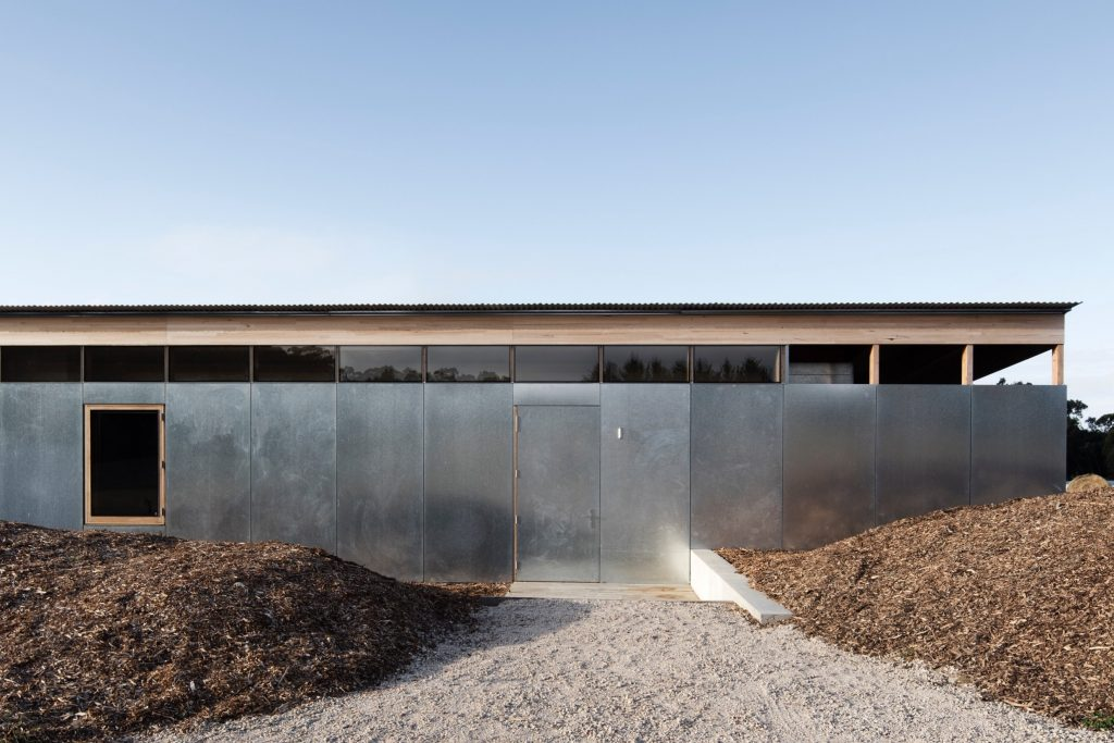 Lovell Burton Architecture Foster This Relationship Through The Design Of Springhill House