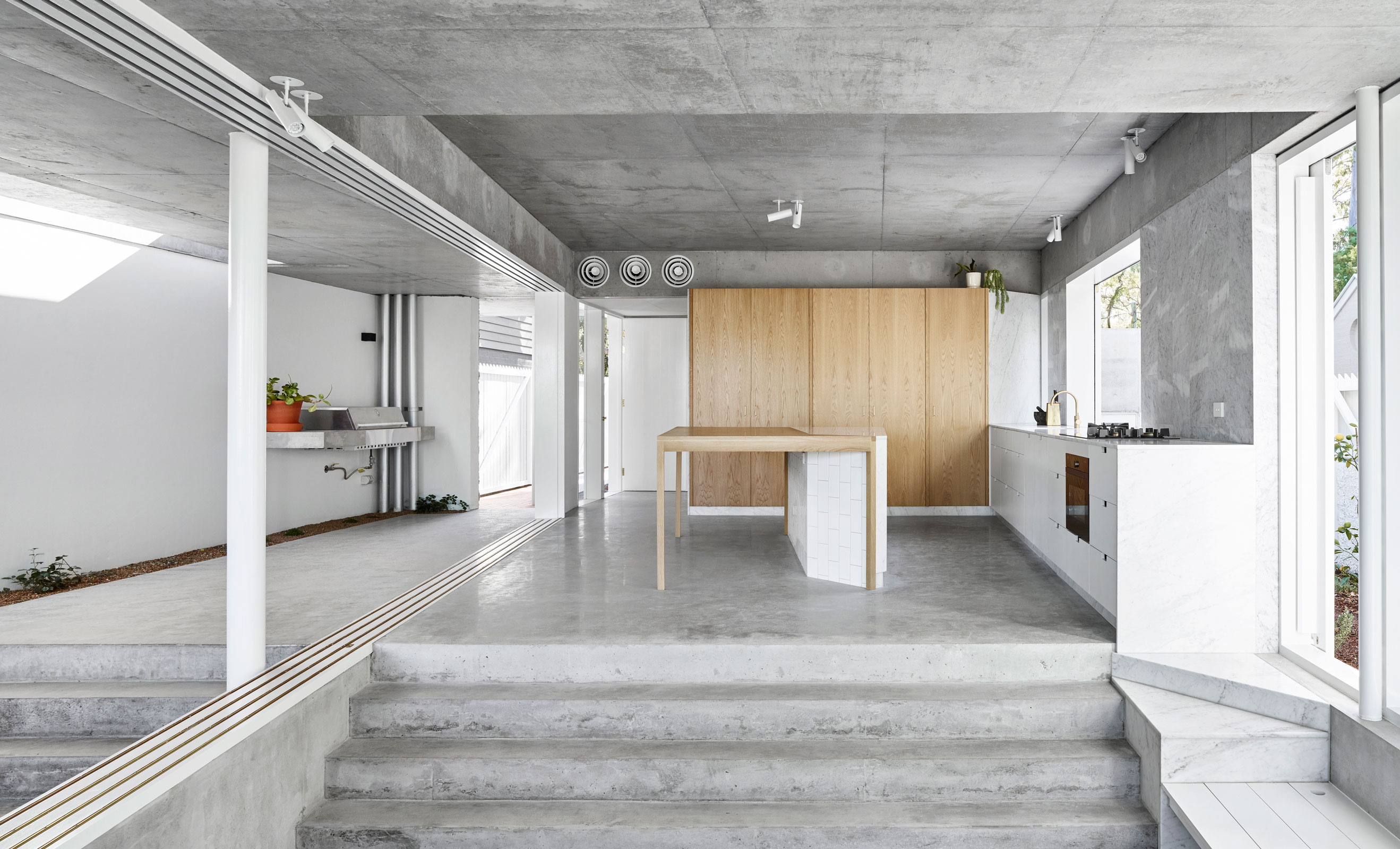 Indooroopilly House Is Owen Architecture And Lineburg Wang's 2019 Qld Architecture Awards Entry
