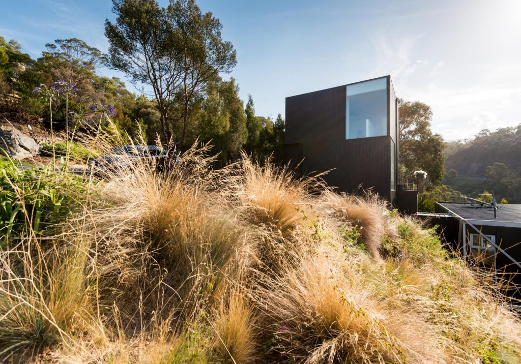 The (gr)ancillary Dwelling By Crump Architects Connected Yet Independent