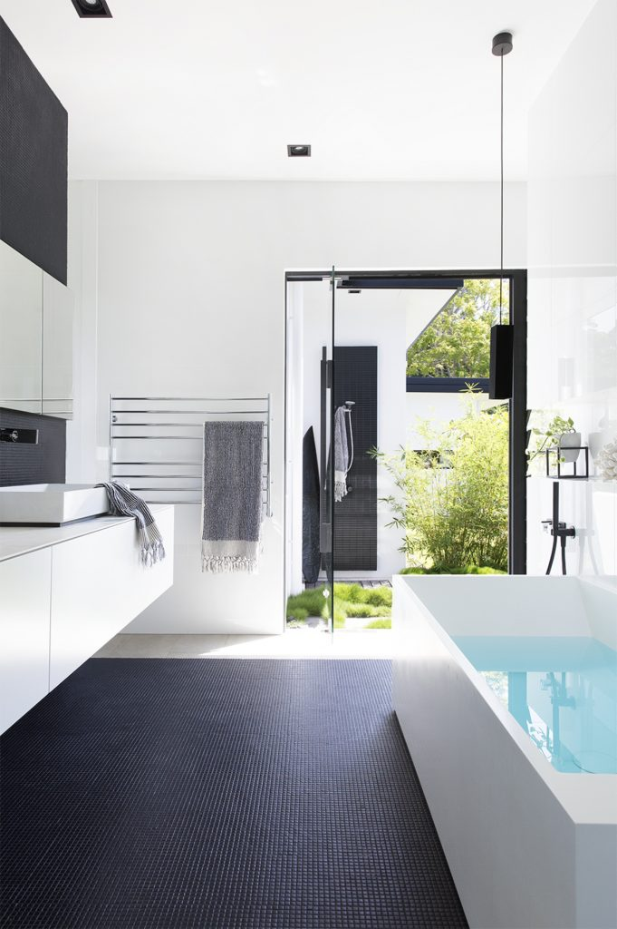 Blur The Distinction Between Indoor And Outdoor Spaces And Allow An Abundance Of Natural Light To Stream Through, Imbuin