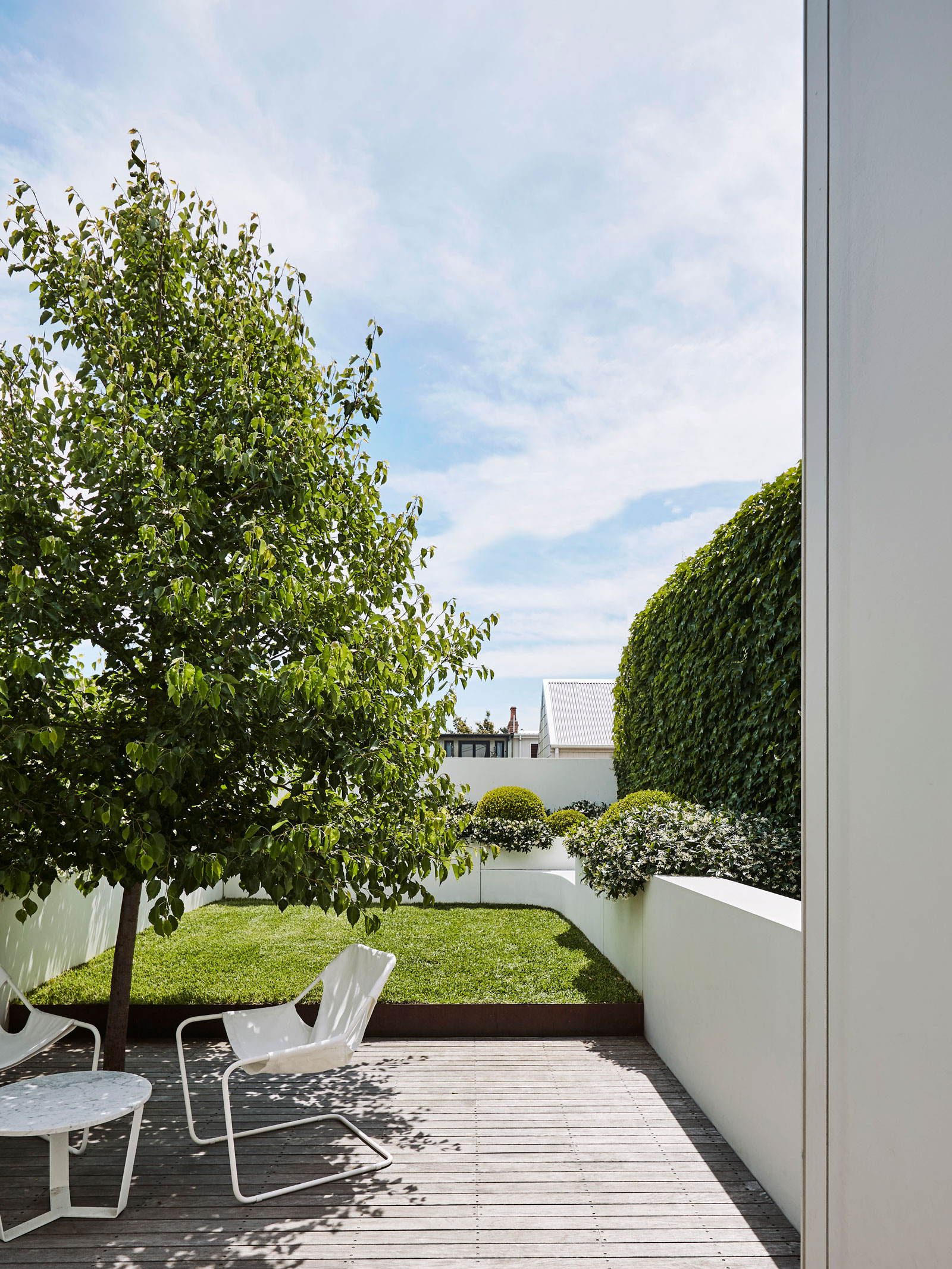 Smart Design Studio Have Breathed Fresh Life Into This Existing Terrace, And Cleverly Used Cues From The Existing Formality To Inform A Seamless