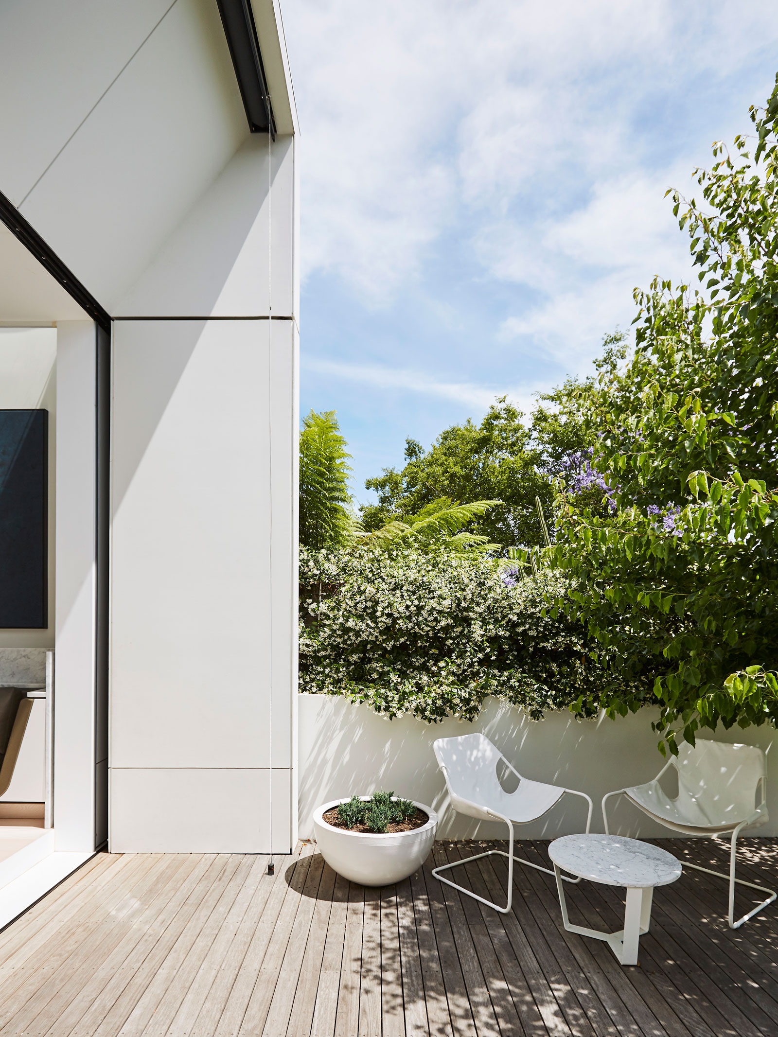 Smart Design Studio Have Breathed Fresh Life Into This Existing Terrace