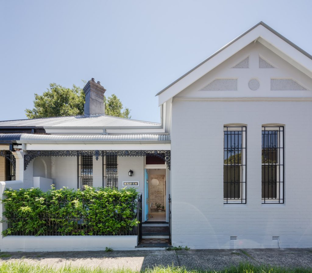 A Growing Family Expecting Twins Called For An Extension To The Existing Heritage Listed Cottage