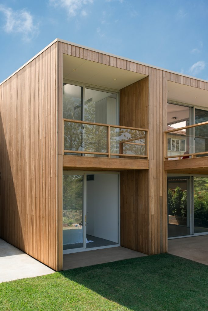Allow Winter Sunlight To Access The Southern Half Of The House And Aid Natural Cross Ventilation.