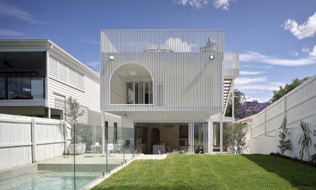Seville Residence For Graya + Daha Architecture + Catch Manageme