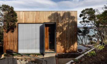 A Timber Tardis Midway Point House By Cumulus Studio Hobart Tas Australia Image 01