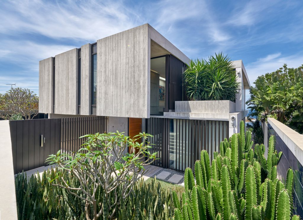 A Robust Simplicity Gordons Bay House By Popov Bass Coogee Nsw Australia Image 12