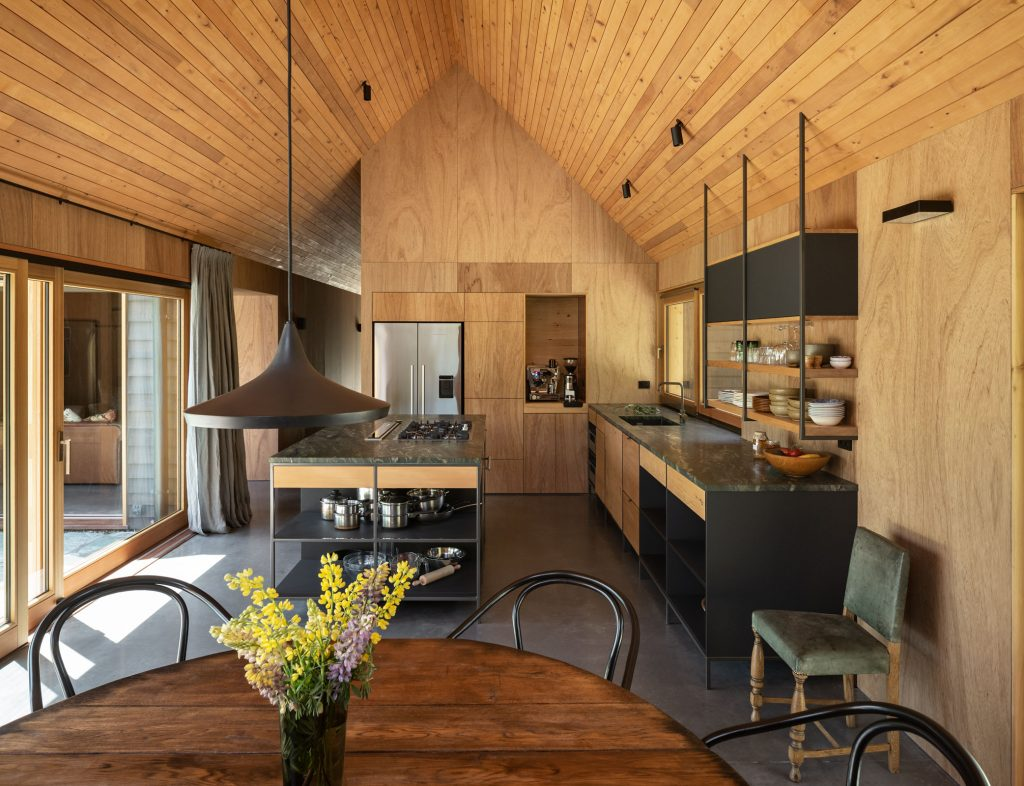 Wanaka House by Pac Studio [1024 x 786]