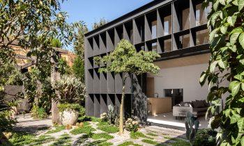 A Liveable Porous Form Baffle House By Clare Cousins Image 08