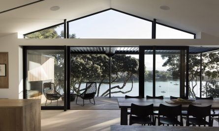 Herne Bay Hideaway By Lloyd Hartley Architects Herne Bay Auckland New Zealand Image 16