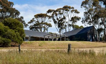 A Secluded Retreat The Flinders House By Sally Draper Architects Flinders Vic Australia Image 14