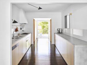 Monash Road House By Zuzana And Nicholas Architects Tarragindi Qld Australia Image 03
