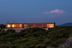 St Andrews Beach Villa By Woods Bagot St Andrews Vic Australia Image 01