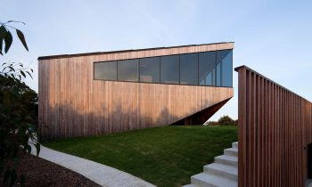 Open And Outstretched – Aireys House By Byrne Architects Project Feature The Local Project Image 03