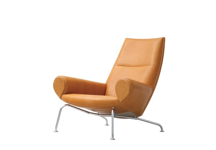 Ej101 Queen Easy Chair By Cult
